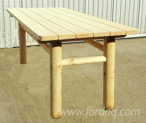 Restaurant-Terrace-Tables-Made-from-Pine