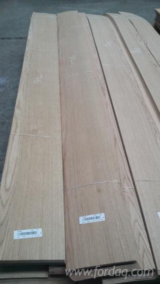 Oak-Flat-Cut--Plain-Natural-Veneer-from-Romania
