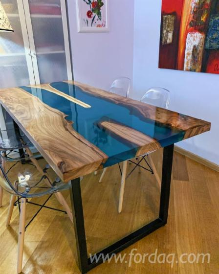 Chestnut-Tables-with-Epoxy