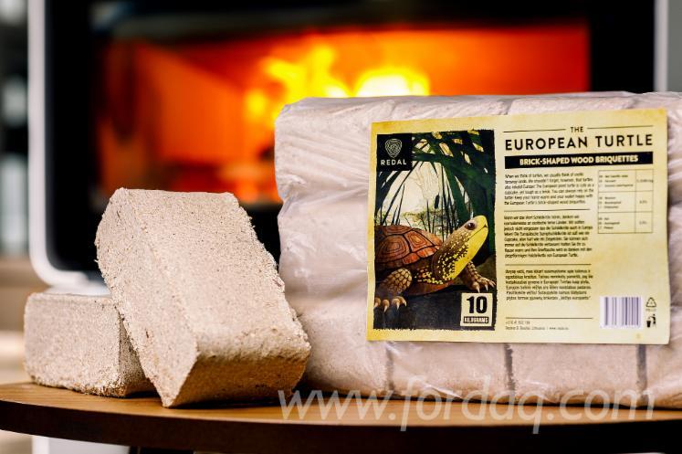 Briquettes-de-bois-en-forme-de-brique-The-European