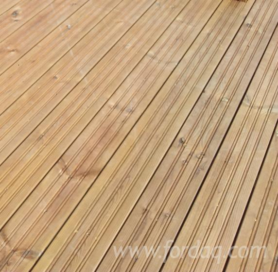 Impregnated-Nordic-Pine-Decking-Boards