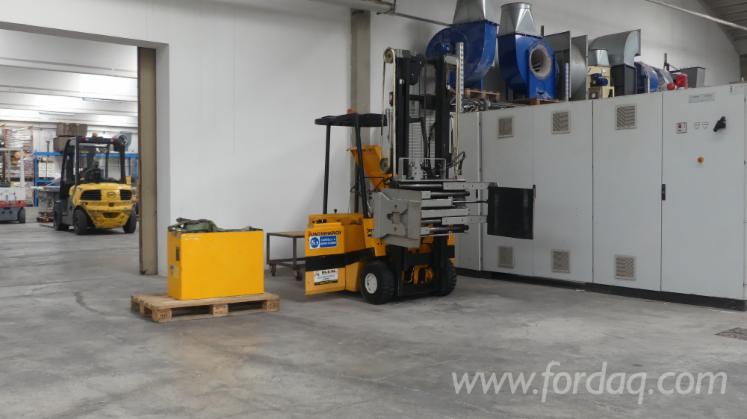 Forklift--Jungheinrich