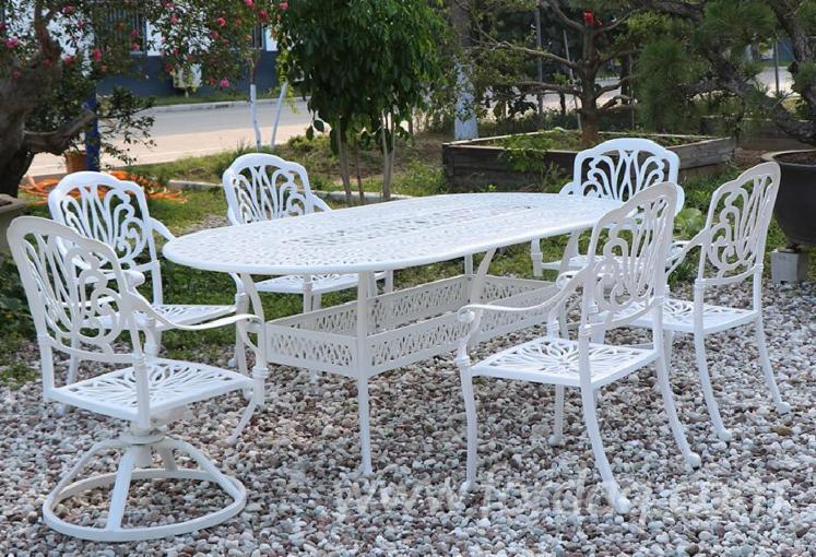 Outdoor-Dinner-Set-Table-and