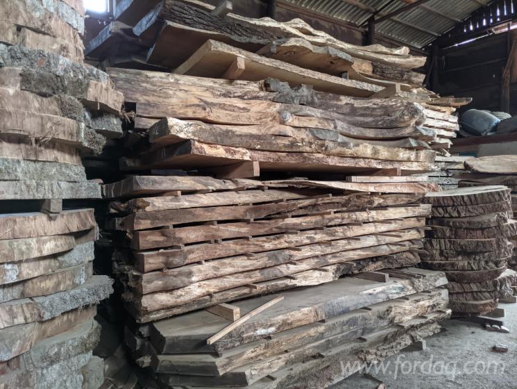 Oak-Slabs-for-Tabletops
