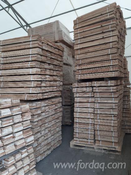 Bretter--Altholz-Sonnenverbrannt--f%C3%BCr-Sanierung-und