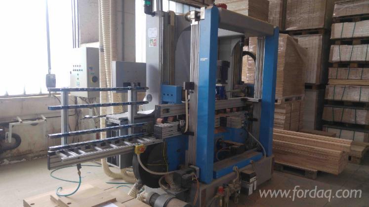 Vertikale-CNC-Bearbeitungszentrum-REM-Pilot