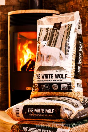 granul%C3%A9s-de-bois-The-white-wolf-ENplus