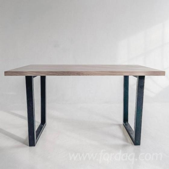 Square-Dining-Table-with-Metal-Underbank