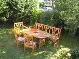 Acacia, Furniture
