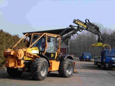 Ernte--und-R%C3%BCckemaschinen--Forstschlepper