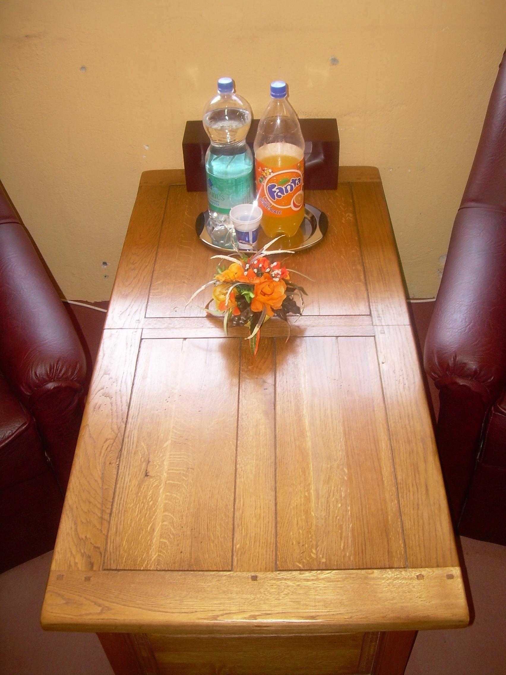 Tavoli da pranzo tradizionale 1 0 200 0 pezzi for Tavoli da pranzo a scomparsa