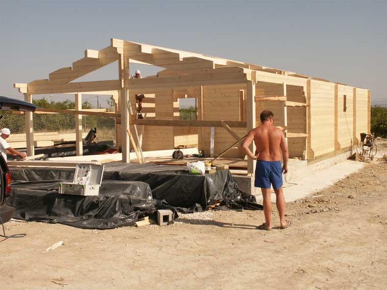 Casa di tronchi canadese for Case di tronchi ranch