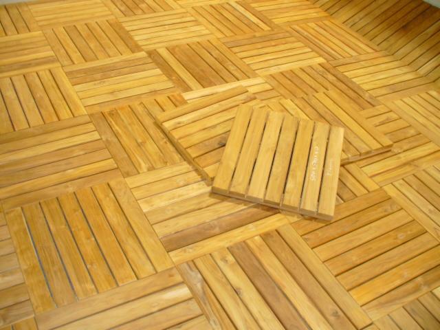 decking teak; terrazze in legno; pavimenti per esterni in legno; quadr