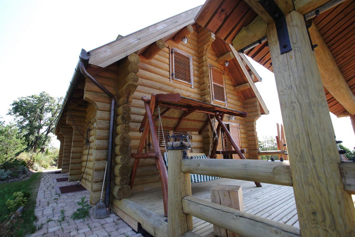 Maison bois poteaux poutres pin pinus sylvestris for Maison poteaux poutres