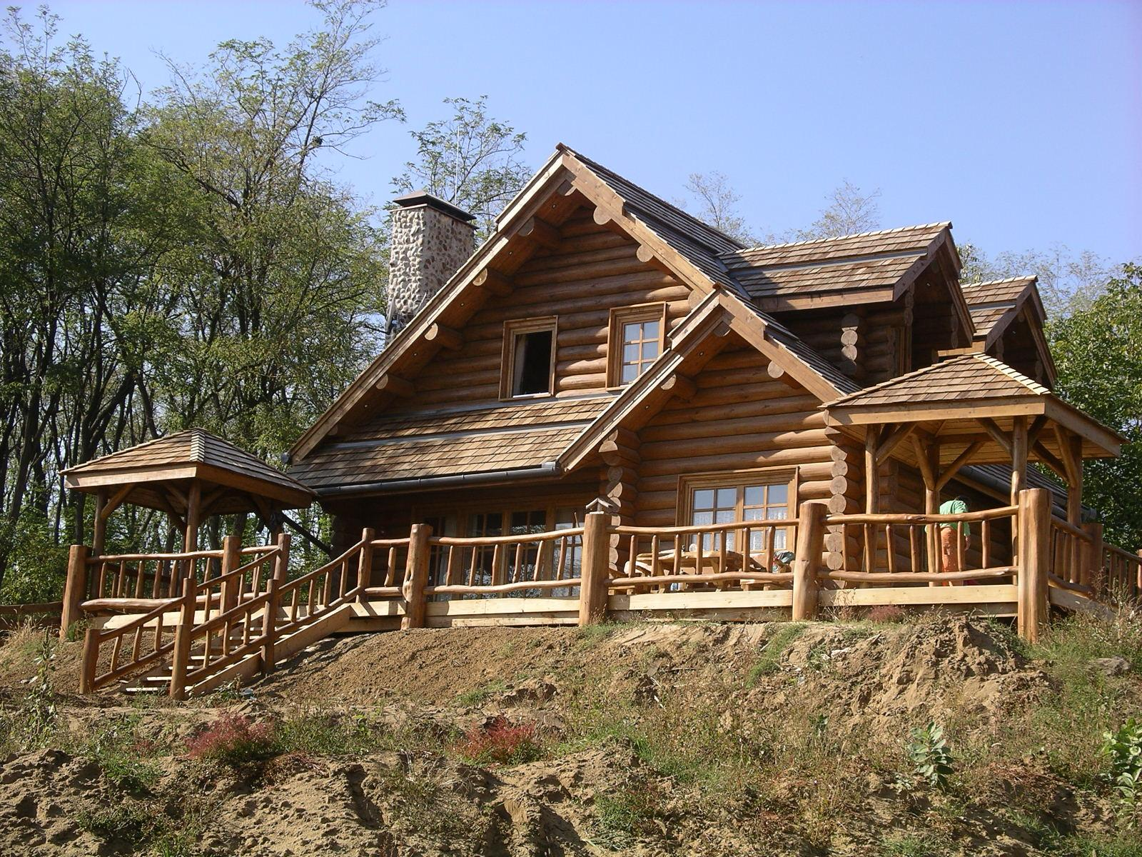 Пів дерев яні будинки