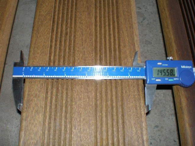 Ipe-Exterior-Decking-Anti-Slip-Decking-%281-Side%29-from-Brazil