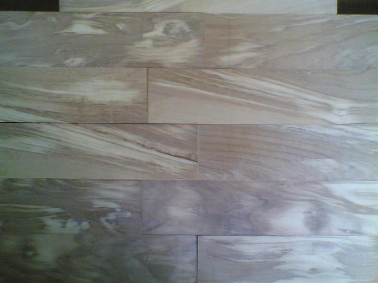 vend parquet massif bois debout olivier 10 mm italie. Black Bedroom Furniture Sets. Home Design Ideas