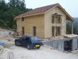 Kupiti Ili Prodati  Kuća Sa Drvenom Konstrukcijom - Kuća Sa Drvenom Konstrukcijom, Jela