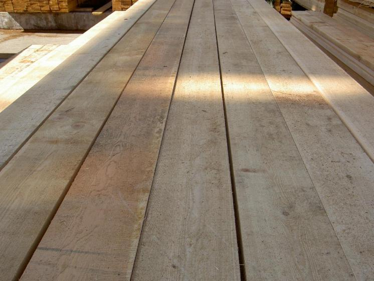 32--38--50-mm-Fresh-Sawn-Larch--from-Russia