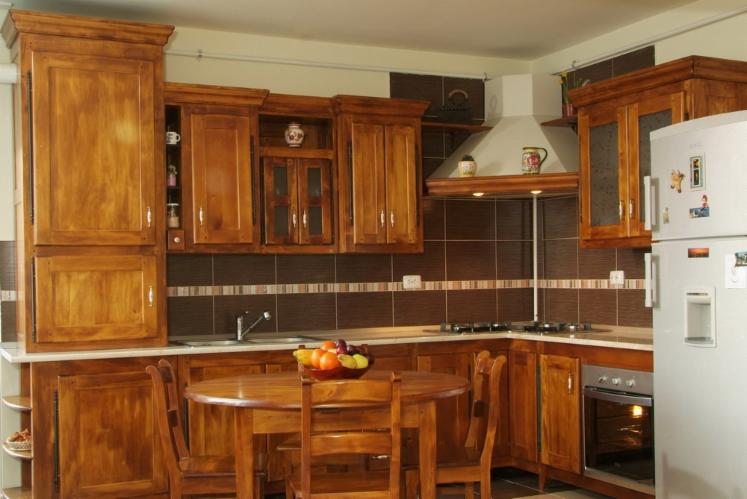 Interesting vend ensemble de meubles de cuisine feuillus for Ensemble de cuisine en bois