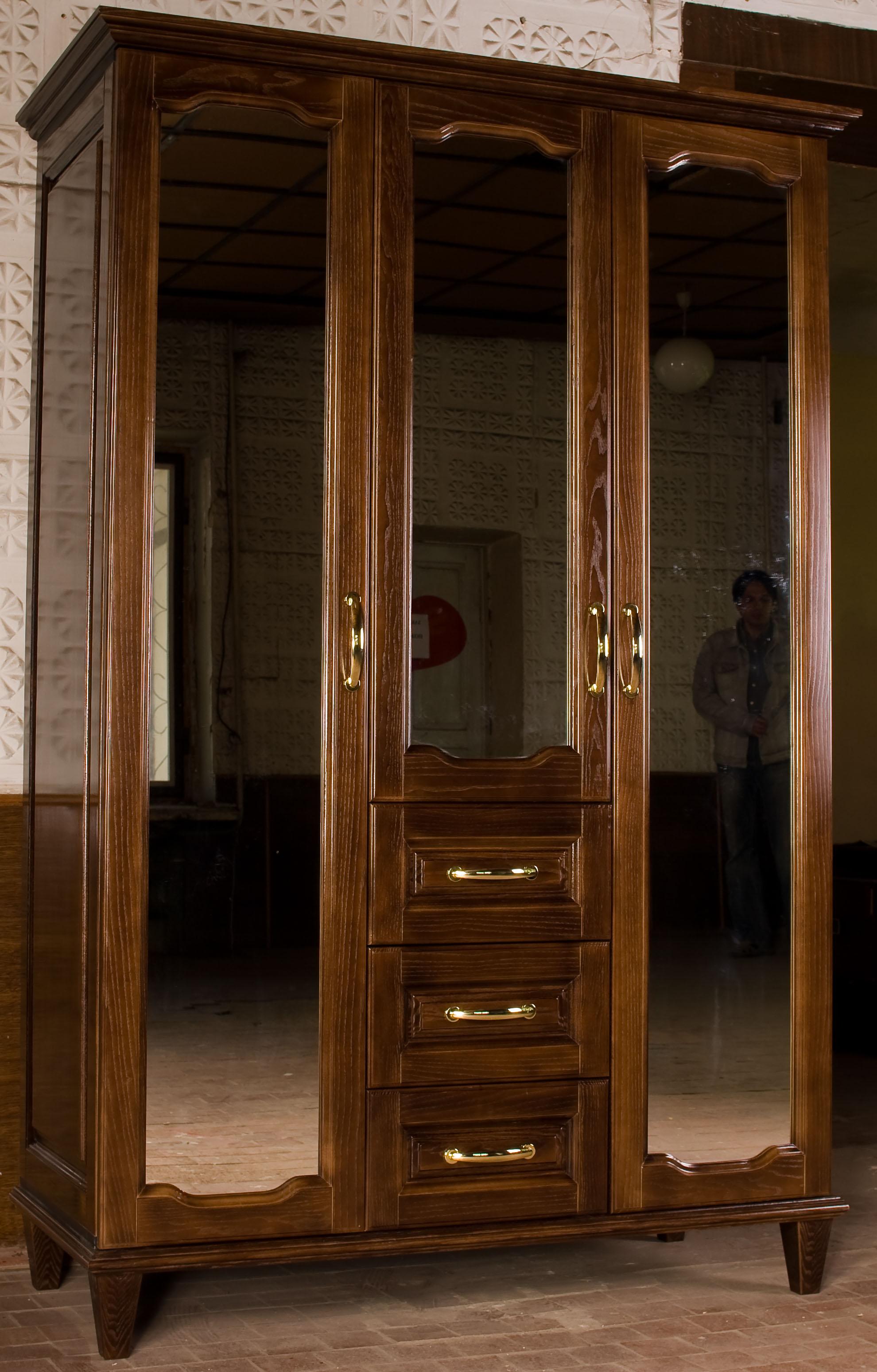 penderie design 1 0 30 0 pi ces. Black Bedroom Furniture Sets. Home Design Ideas