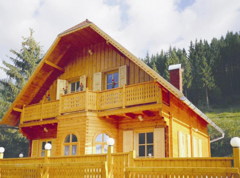 Casa con struttura in legno abete picea abies legni for Case in legno romania