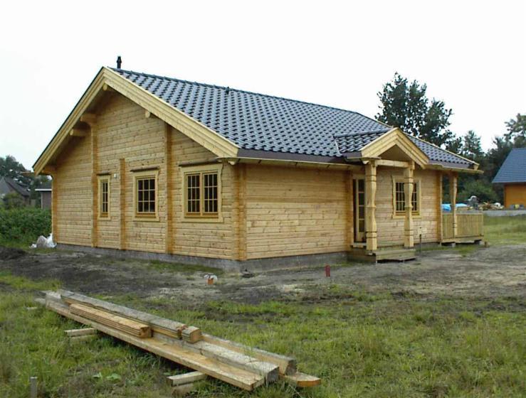 Casa di tronchi squadrati pino legni rossi for Case di tronchi ranch