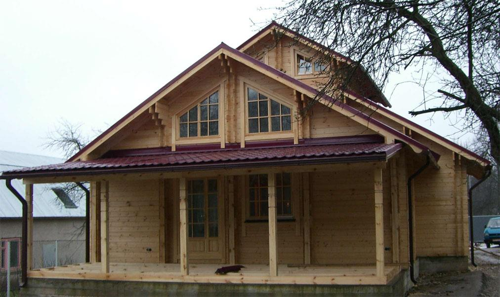 Square milled log house for Square log home