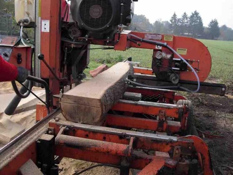 Sawing services