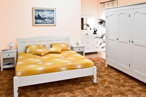 Vendo arredamento camera da letto contemporaneo resinosi for Arredamento contemporaneo prezzi